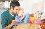 Babalar da Bebek Bakar